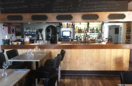 La Cortessia, Restaurant Pizzeria à Breal sous montfort